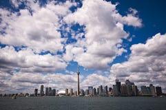 Toronto-Skyline am schönen Tag Lizenzfreies Stockfoto