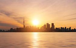 Toronto-Skyline am Sonnenuntergang Stockfotos