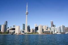 Toronto-Skyline von innerem Hafen 2013 Stockfotografie