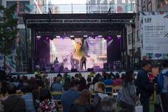 Toronto, SOPRA, il Canada - 9 settembre 2017 - Jilea che esegue sulla st immagini stock