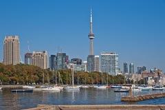 Toronto-Stadtbildpanorama KN-Kontrollturm Lizenzfreie Stockfotografie