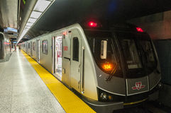 Toronto TTC gångtunneldrev Arkivfoton