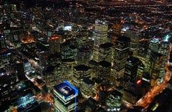 Toronto-Wolkenkratzer nachts lizenzfreies stockfoto