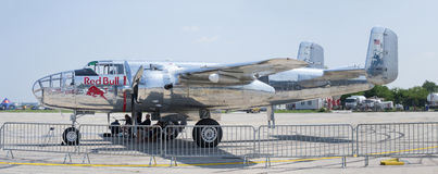 Toros B-25 Mitchell del vuelo en el PREJUICIO 2013 Fotos de archivo