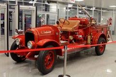 Torpille de LaFrance Brockway dans le musée des sports d'automobile en parc olympique de Sotchi image libre de droits