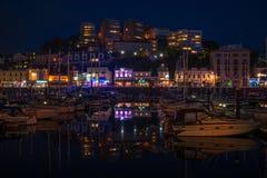 Torquay港口,南德文郡,英国夜视图  免版税图库摄影