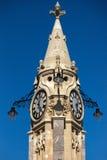 TORQUAY, DEVON/UK - LIPIEC 28: Widok zegarowy wierza w Torquay obraz royalty free
