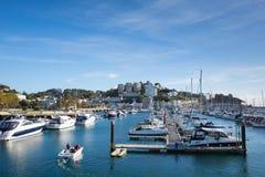 Torquay Devon UK med fartyg och yachter på härlig dag på den engelska Rivieraen Royaltyfria Foton