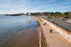 Torquay Devon UK promenad på härlig dag på den engelska Rivieraen Arkivfoton