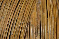 Torr bambu är ett hantverk royaltyfri fotografi