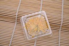 torr chrysanthemum royaltyfri fotografi