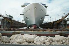 torr dock arkivfoto