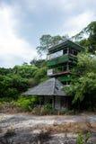 Torre abandonada del reloj del pájaro Imagen de archivo