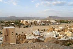 A torre abriga a cidade de Shibam, vale de Hadramaut, Iémen fotografia de stock