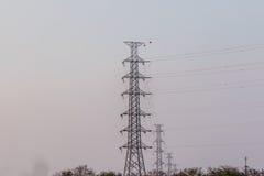Torre ad alta tensione della posta ad alta tensione Fotografie Stock