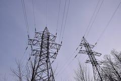 Torre ad alta tensione della trasmissione Immagine Stock