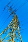 Torre ad alta tensione su un fondo Immagine Stock Libera da Diritti