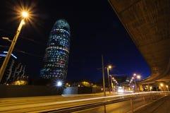 Torre Agbar iluminujący przy nocą. Barcelona, Hiszpania. Obrazy Stock