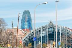 Torre Agbar jest 38 opowieści drapaczem chmur w Barcelona, Hiszpania. Fotografia Stock