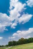 Torre alta en un día de verano Fotos de archivo libres de regalías