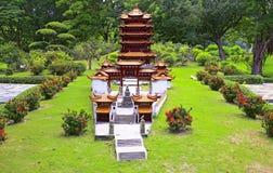 Torre amarilla miniatura de la grúa, China Fotos de archivo libres de regalías