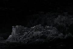 Torre ancestrale illuminata dalla luna d'annata di stile B&W Puebloan Anasazi Immagini Stock
