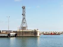 Torre - antenna del ripetitore radiofonico Fotografie Stock Libere da Diritti