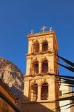 Torre antica del san Catherine Monastery Posto cristiano sacro nell'Egitto, posto di pellegrinaggio e destinazione turistica famo fotografia stock libera da diritti