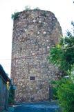 Torre antiga em Alushta, o único resto de Aluston da fortaleza da época precedente fotografia de stock