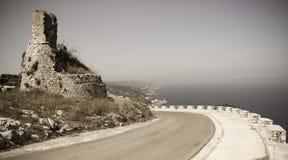 Torre antigua del reloj en el mar adriático Foto de archivo