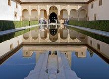 Torre antigua en el palacio de Alhambra en España imagen de archivo