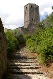 Torre antigua en el top de Pocitelj, de Bosnia y de Hercegovina Imagen de archivo
