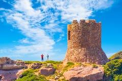 Torre antigua en la costa de Cerdeña foto de archivo libre de regalías
