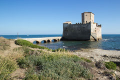 Torre Astura slott arkivbild