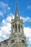 A torre aumenta acima do castelo velho Foto de Stock Royalty Free