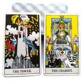 Torre/carro de la tarjeta del nacimiento del tarot stock de ilustración