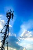 Torre cellulare moderna Fotografia Stock Libera da Diritti