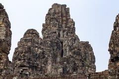 Torre central del templo de Bayon, complejo de Angkor Wat, Camboya Templo con la cara de piedra de Jayavarman VII imagen de archivo
