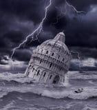 Torre che affonda nell'inondazione e nella tempesta Fotografia Stock Libera da Diritti