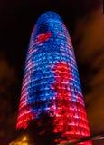 Torre Chlubi się, poprzedni Agbar, noc widok w Barcelona, Cataloni Zdjęcie Stock