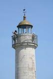 Torre, cielo azul marino en fondo Foto de archivo
