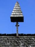 Torre com o sino sobre o telhado Fotos de Stock Royalty Free