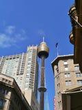Torre con skydeck di fronte ad un cielo blu Immagine Stock