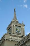 Torre con un reloj Imagen de archivo libre de regalías