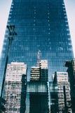 Torre corporativa alta fatta delle finestre di vetro Fotografia Stock
