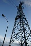 Torre d'acciaio del cavo della trasmissione per distribuzione di elettricità Immagini Stock
