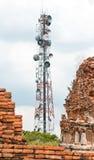 Torre d'acciaio di telecomunicazione Fotografia Stock
