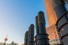 Torre da água de Colônia em Mediapark na água de Colônia, Alemanha Fotos de Stock