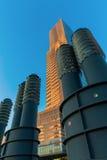 Torre da água de Colônia em Mediapark na água de Colônia, Alemanha Imagem de Stock