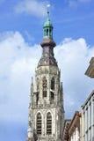 Torre da catedral famosa no mercado velho Breda, Países Baixos imagem de stock